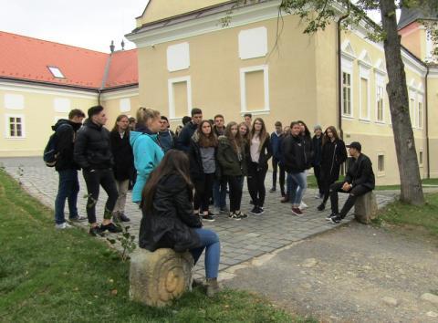 Együtt az Arany János emlékhelyen